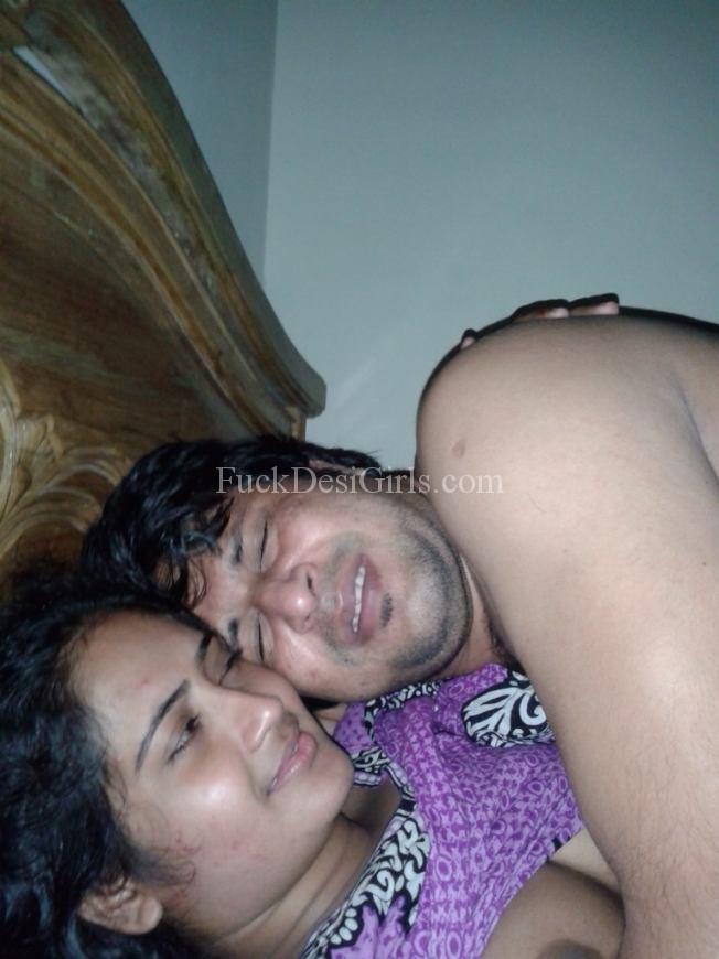 Aunty. pakistani. big. boob. tight. pic