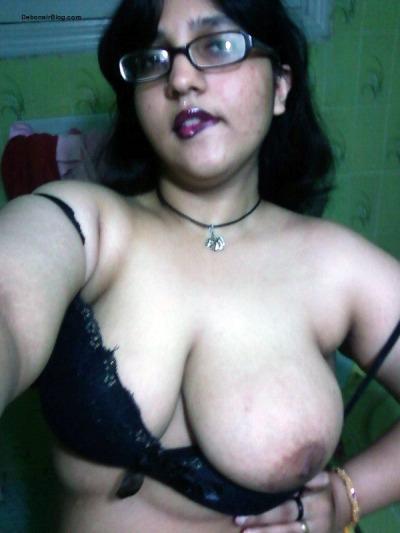 Indian bhabhi boobs photo