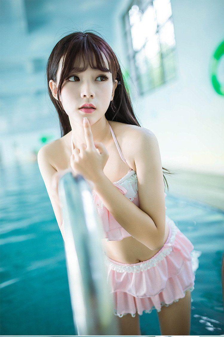 Japanese cute girl gravure