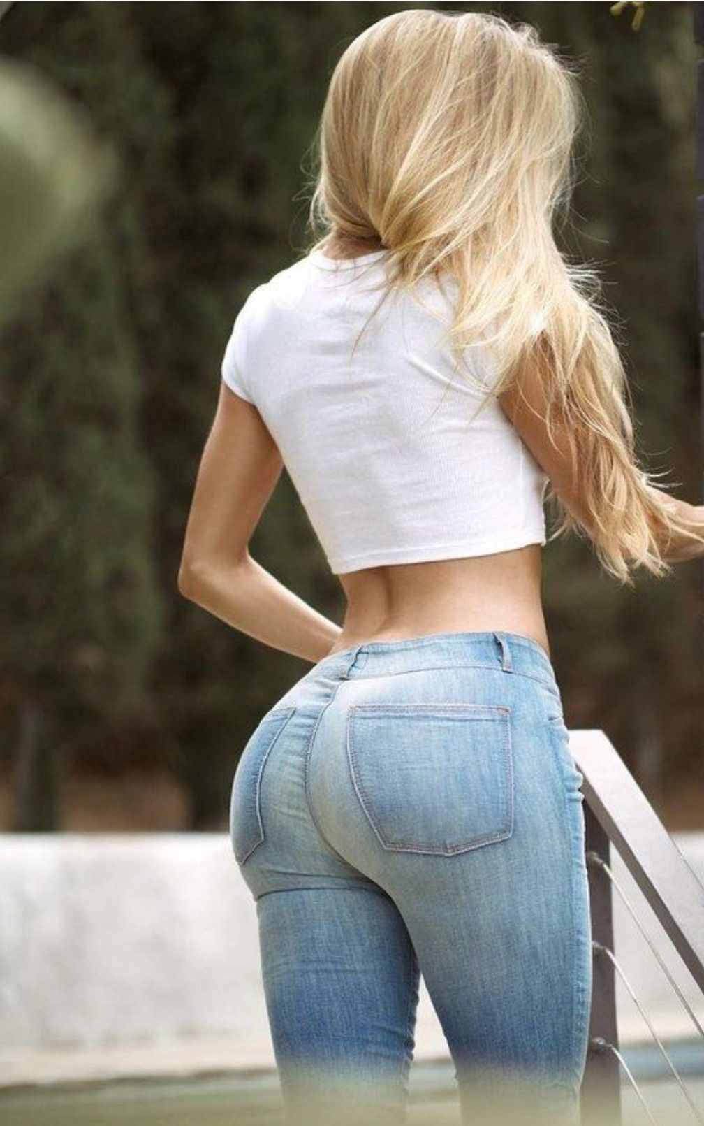 Sexy girls ass in jeans