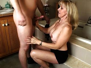 Hot milf sucking dick older woman