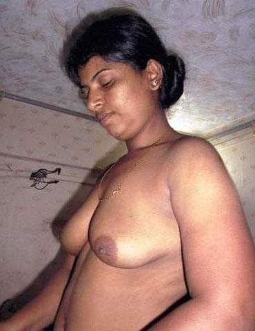 Hot sexy horny nude mature aunty