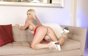 Girl big naked ass