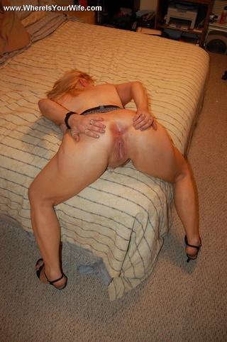 Chubby nude blonde wife