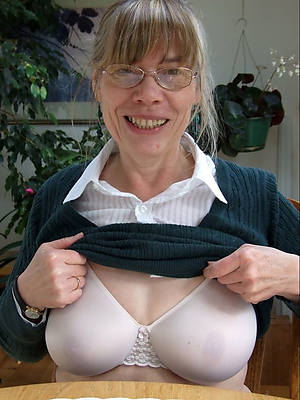Sex milf with glasses fakes