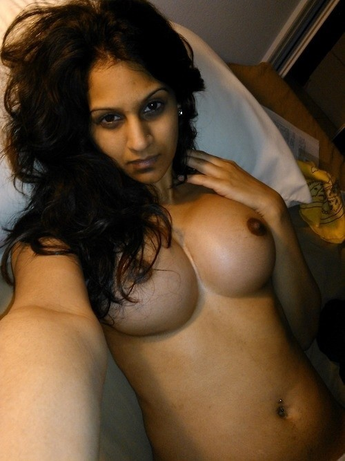 Naked girl nude big boobs