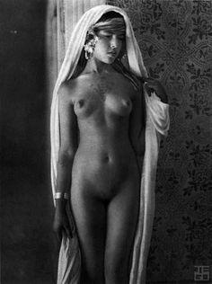 Vintage nude african girls