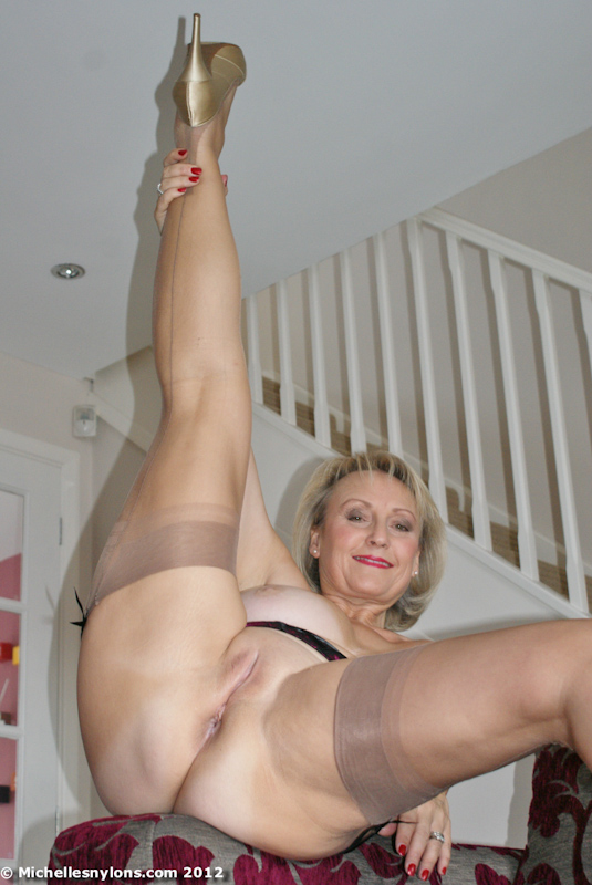 Amateur mature nylon stocking sluts