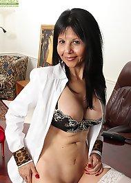 Karups older women xxx