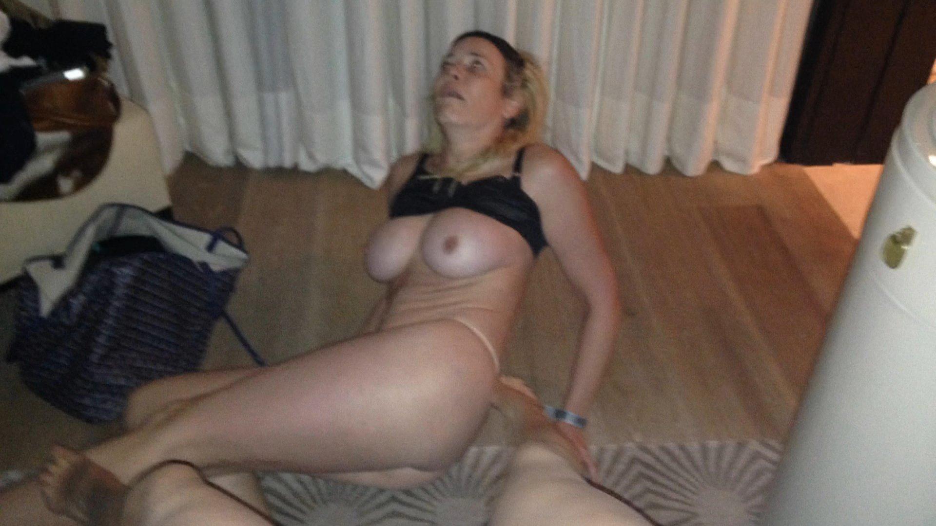 Chelsea handler nude jennifer aniston