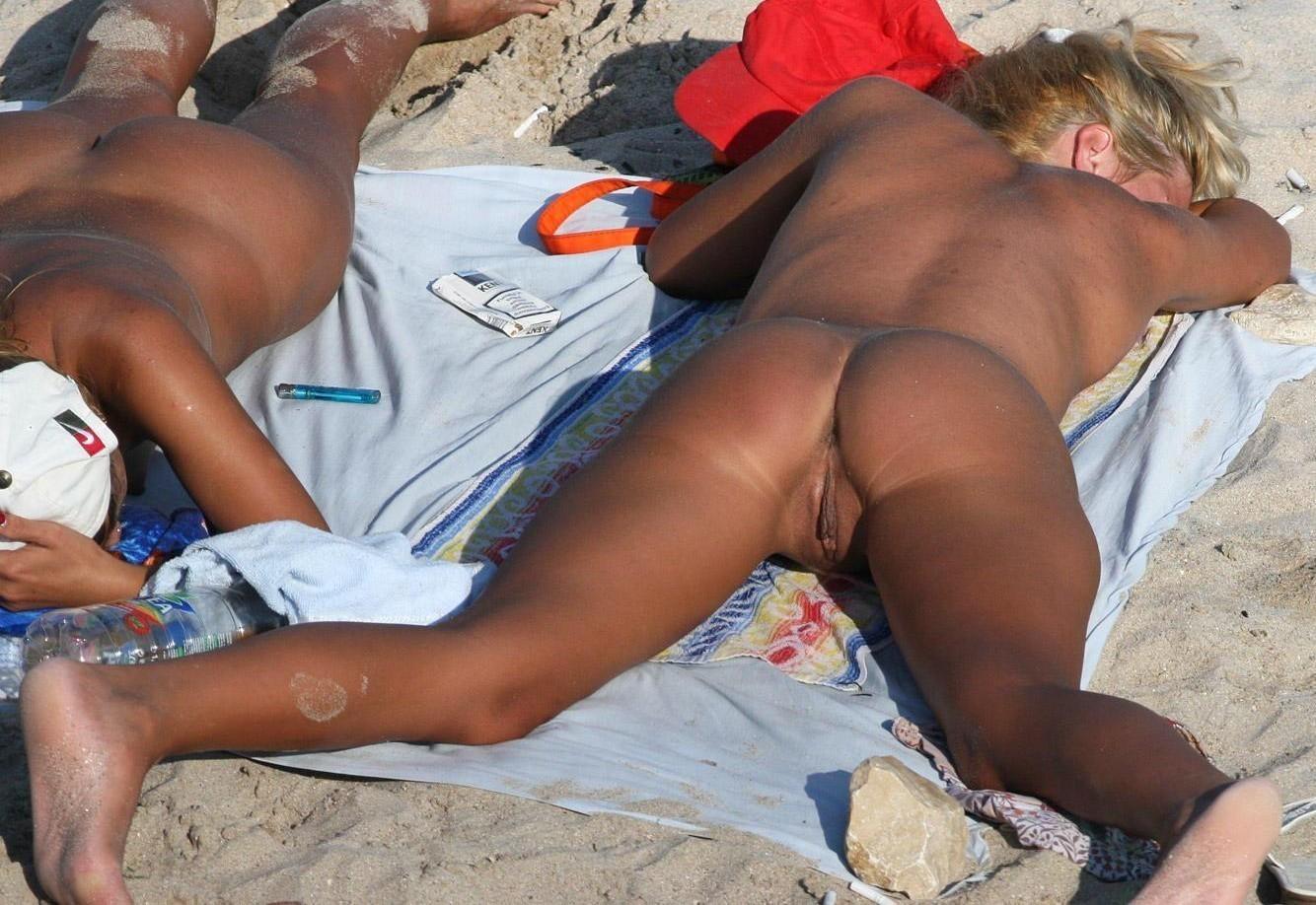 Milfs naked beach pics