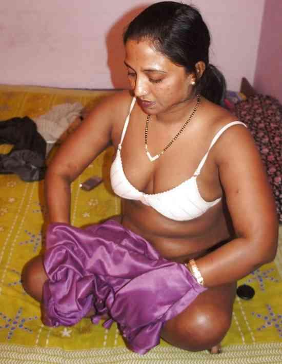 Arbik bhabhi sexy big chubby