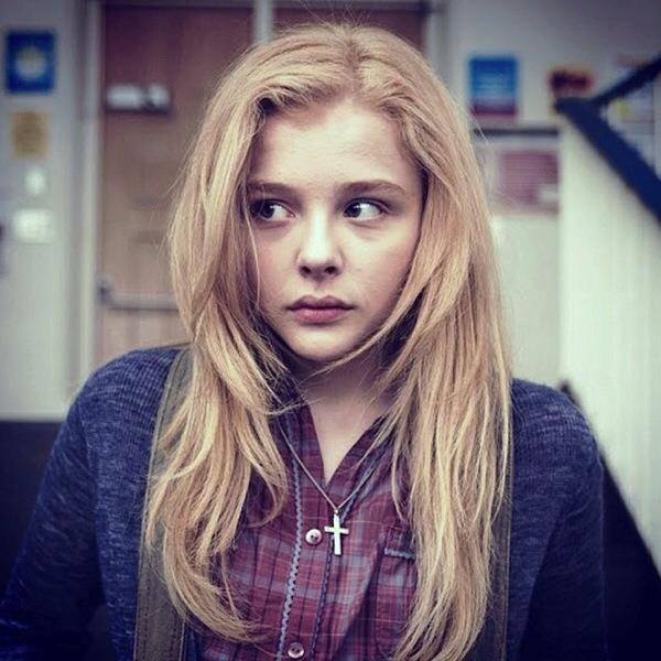 Chloe grace moretz as carrie