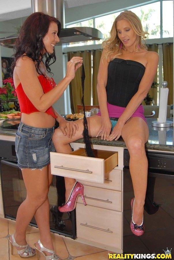 Lesbian licking pussy in mini skirt