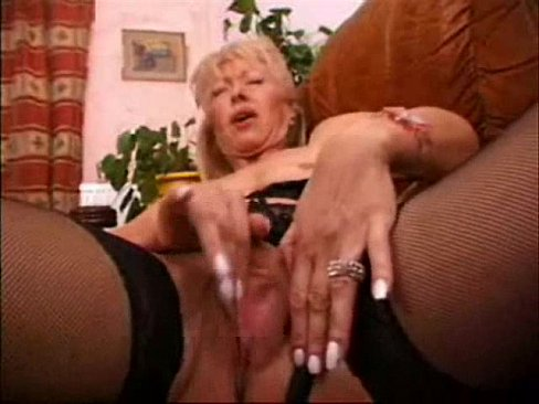 Mature amateur wife masturbating
