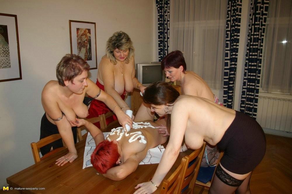 Mature lesbian sex orgy
