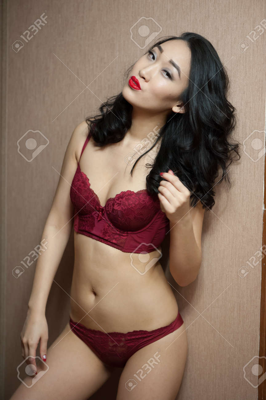 Asian girls lingerie photos