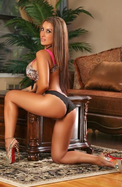 Jessica canizales legs and feet