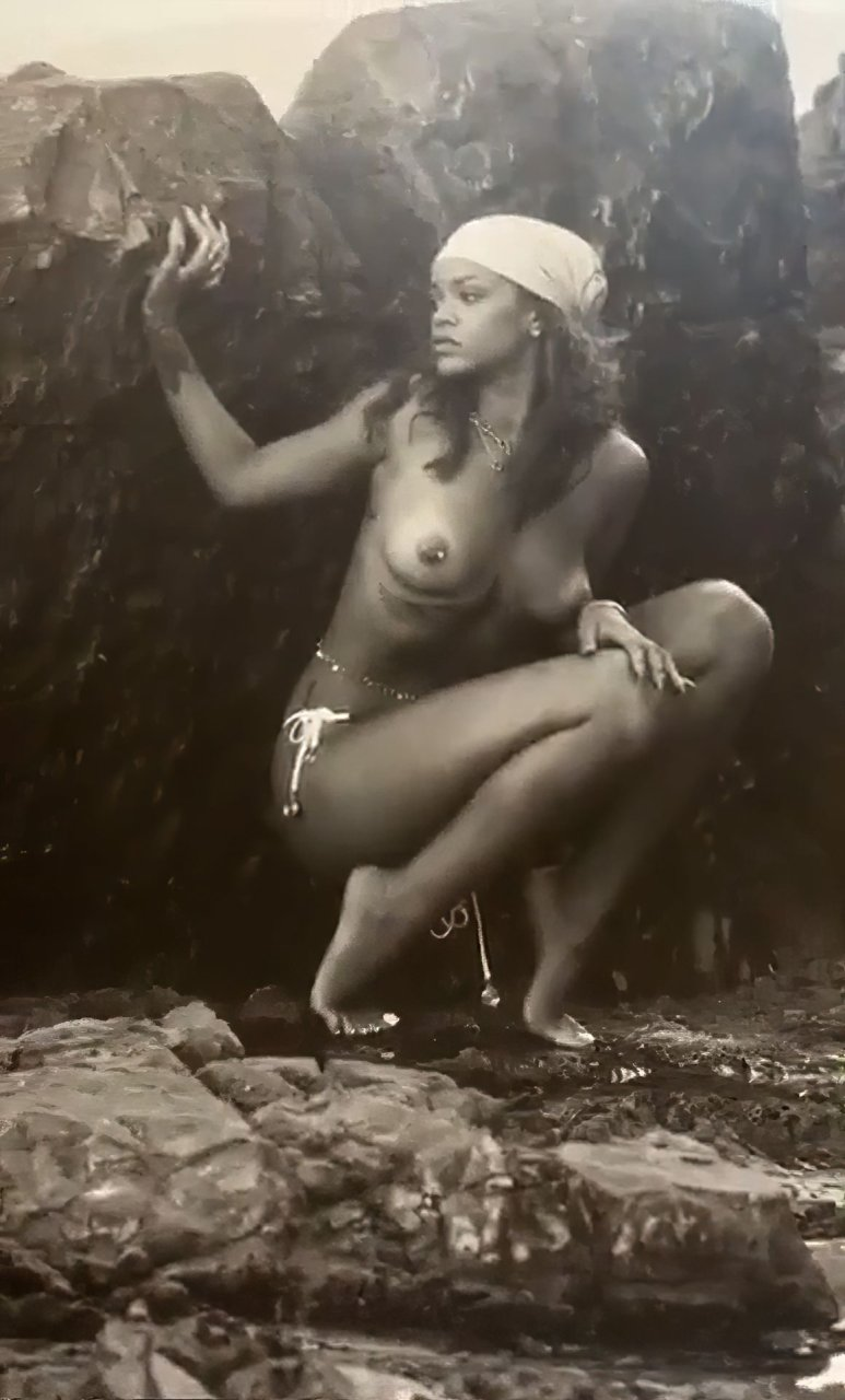 Rihanna porn naked image