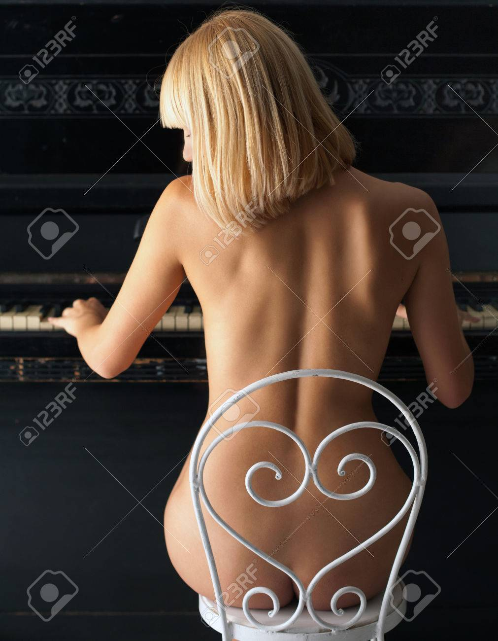 Blonde nude piano girls