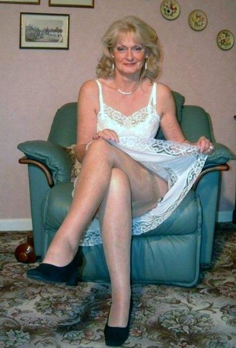 Mature directoire stockings pictures