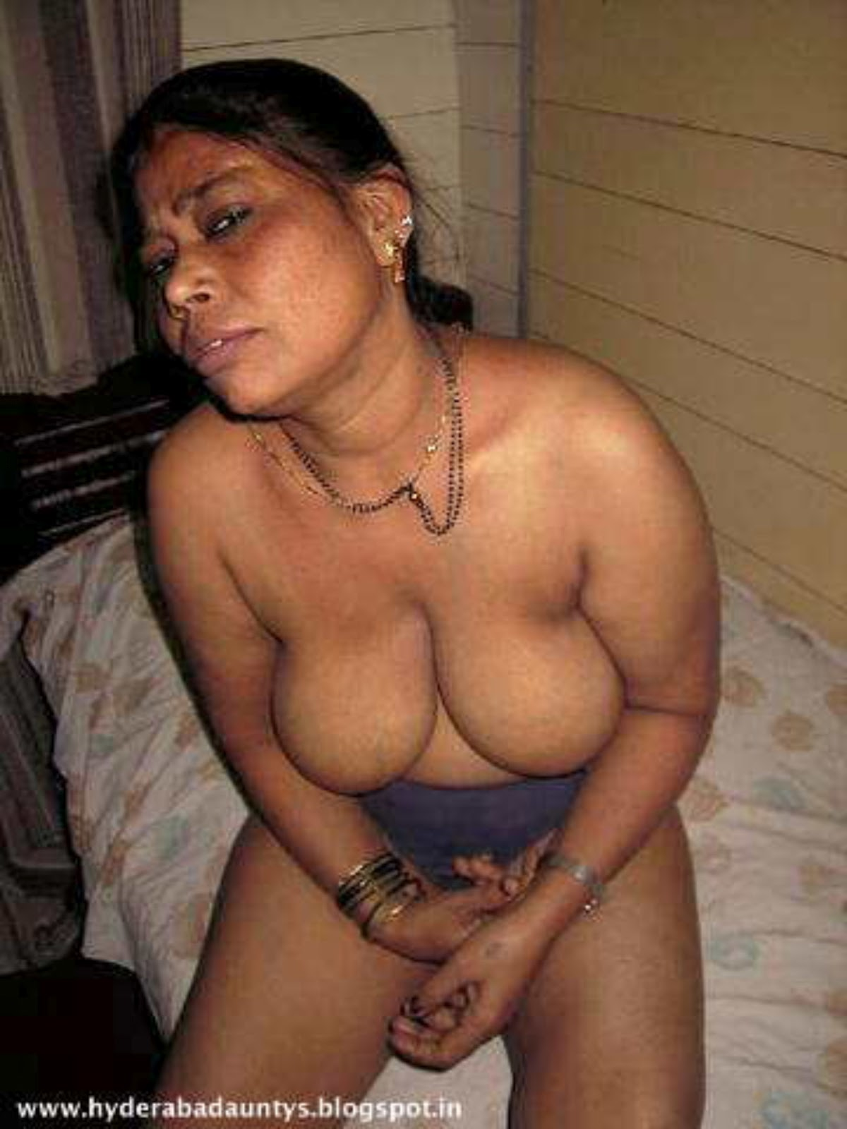 Aunty nude sex pictures