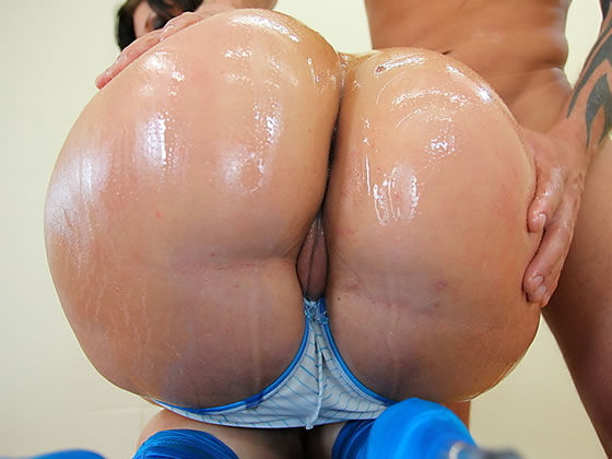 Oiled bubble butt anal