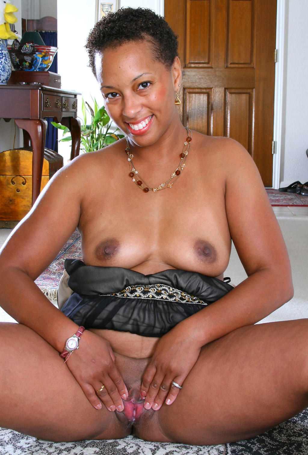 Black woman with hairy pussy
