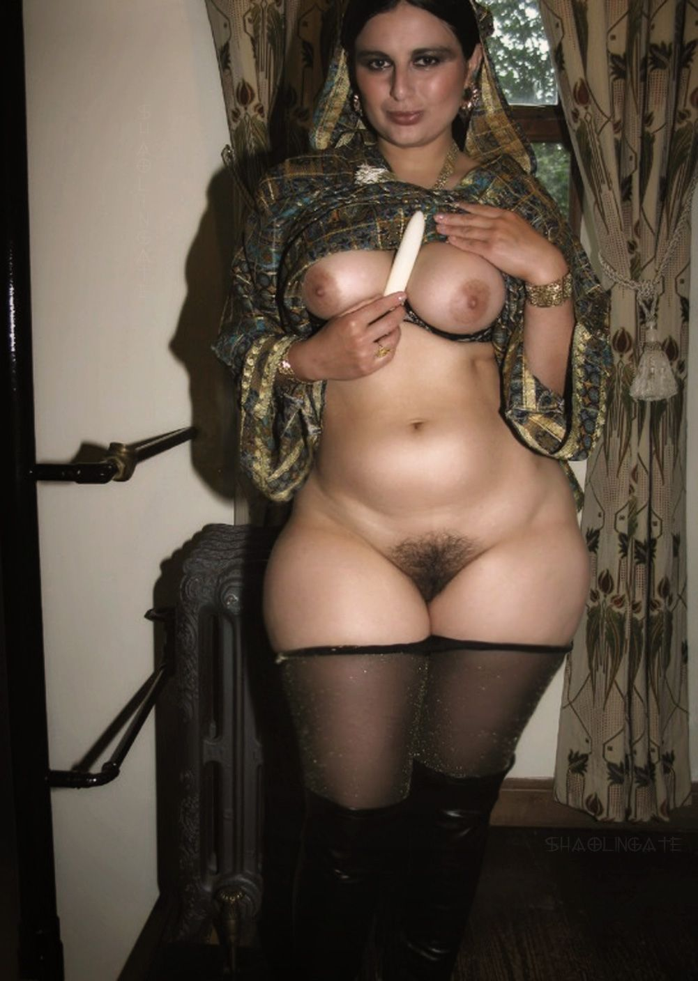 Black wide hips pussy pics