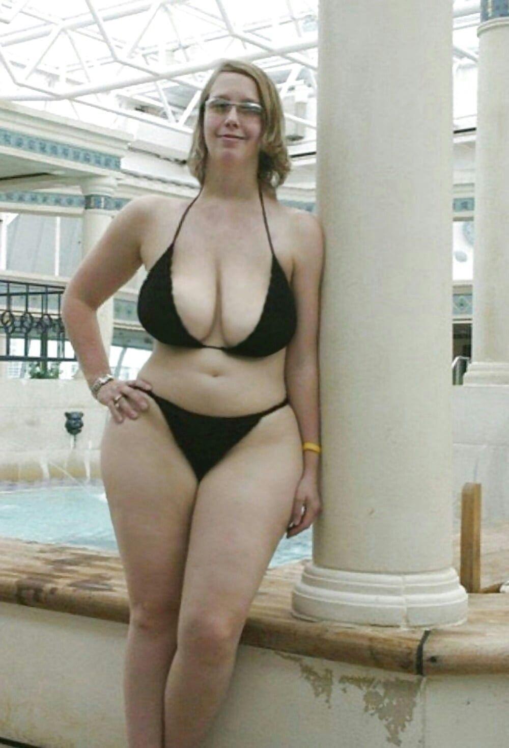 Curvy amateur lingerie wife