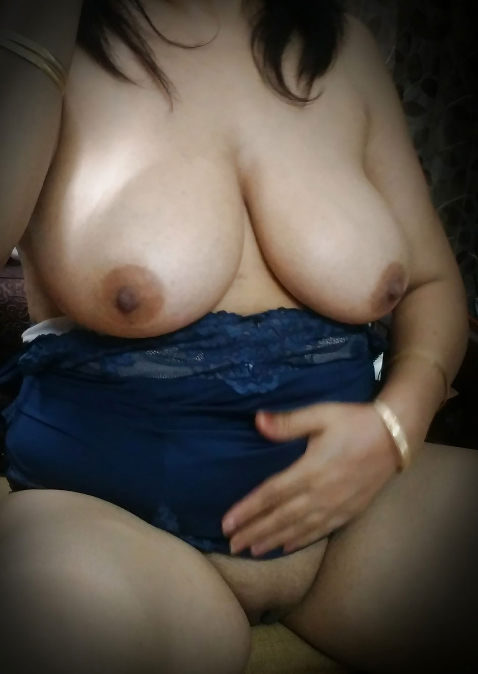 Nude indian big boobs pic