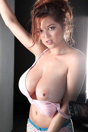 Girls with big titts nude