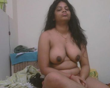 Aunty full nude photo
