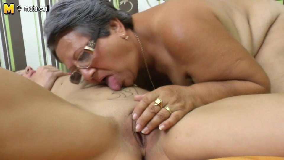 Old lesbian pussy ass