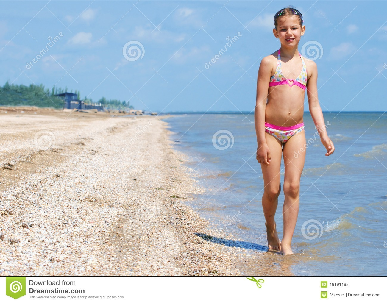 Very young teen girls beach