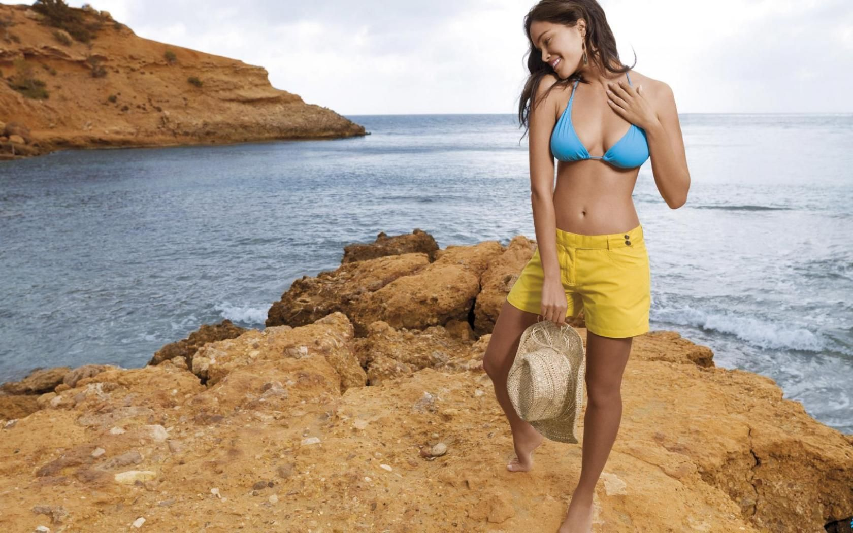 Kristin kreuk bikini pictures