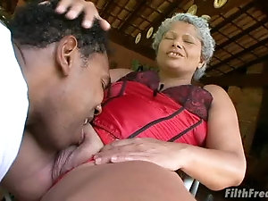 Big ass black mature women porn