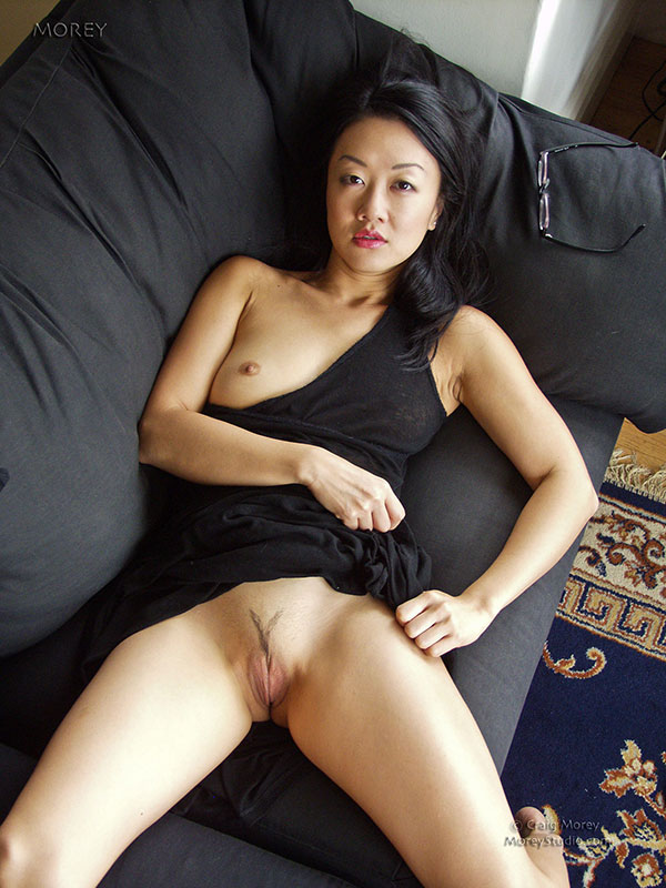 Nude model lily tiger