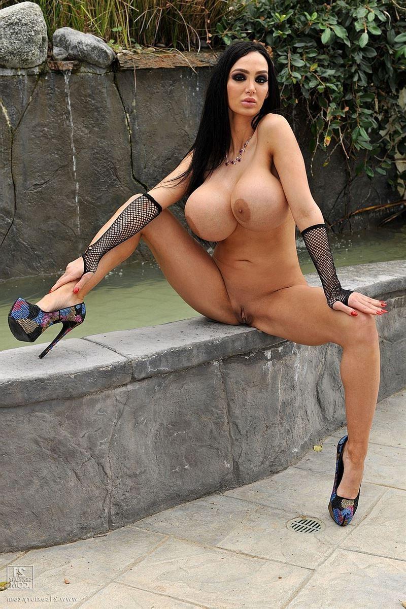 Amy anderssen sexy bikini nude