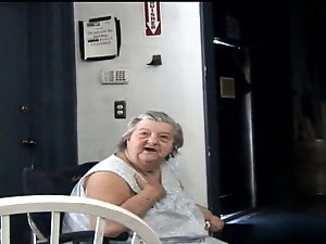 Mature granny cum facial