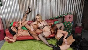 Women black hair naked boobs butt