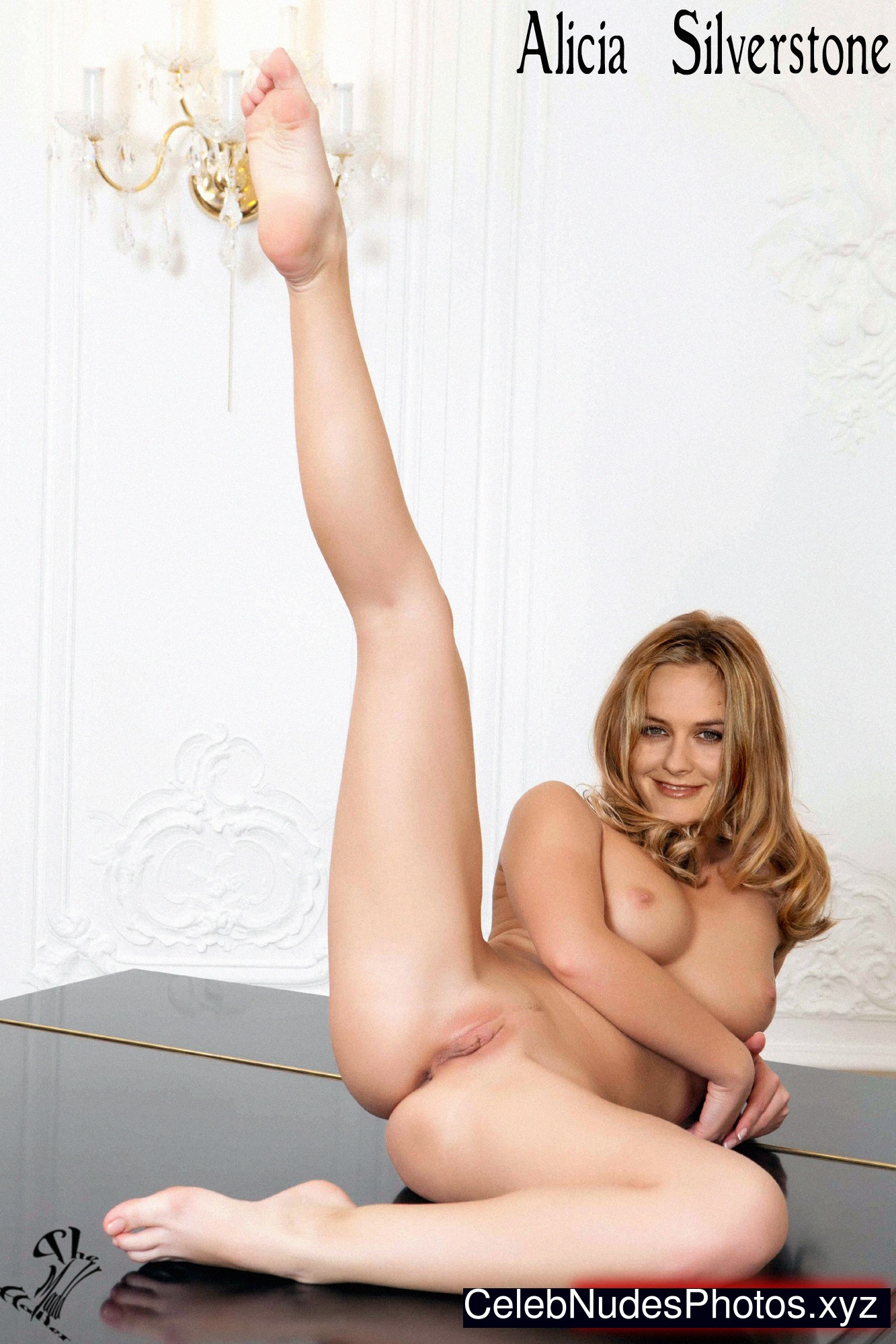Alicia silverstone topless leaked