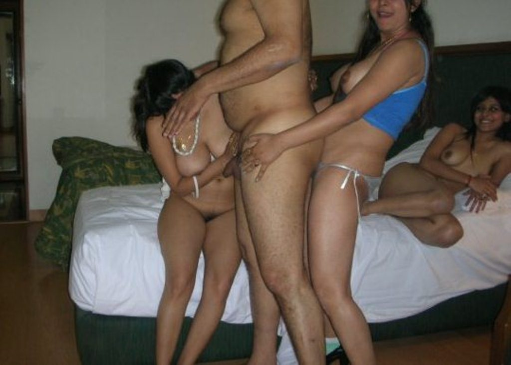 Uncle and aunty fucking nude