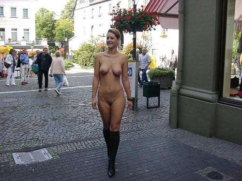 Beautiful nude girls in public