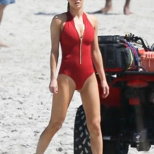 Hot nude women ass in water