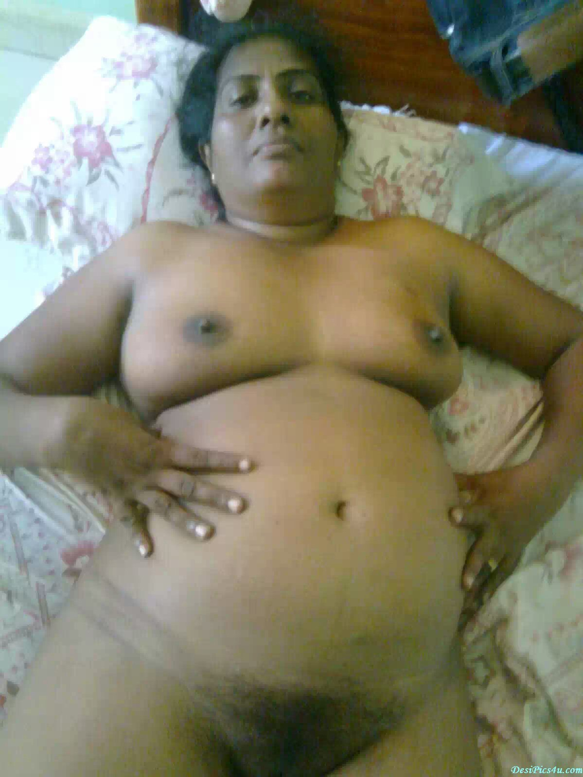 Xossip nude chubby aunty