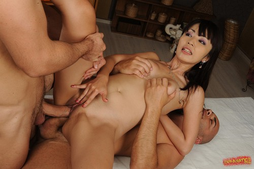 Marica hase double anal